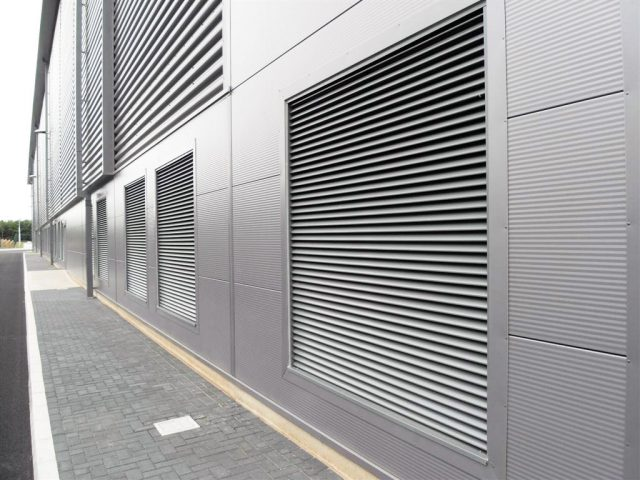 Aluminium-shade-louvres-motorised