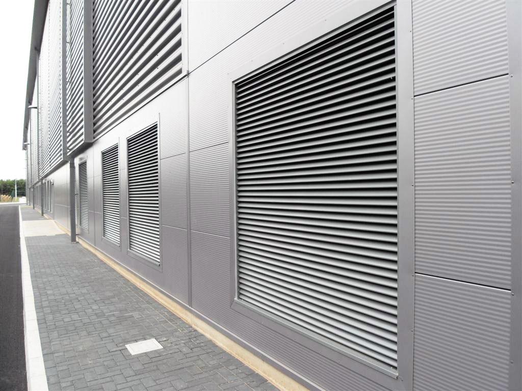 Aluminium-shade-louvres-motorised
