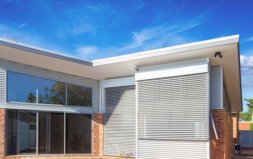 External venetian blinds for sun control
