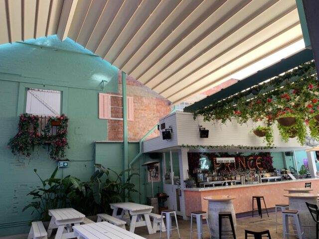 retractable roof awning brisbane