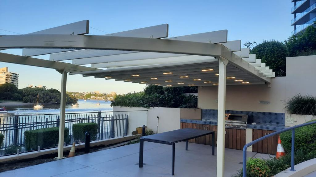 Electric retractable roof pergola