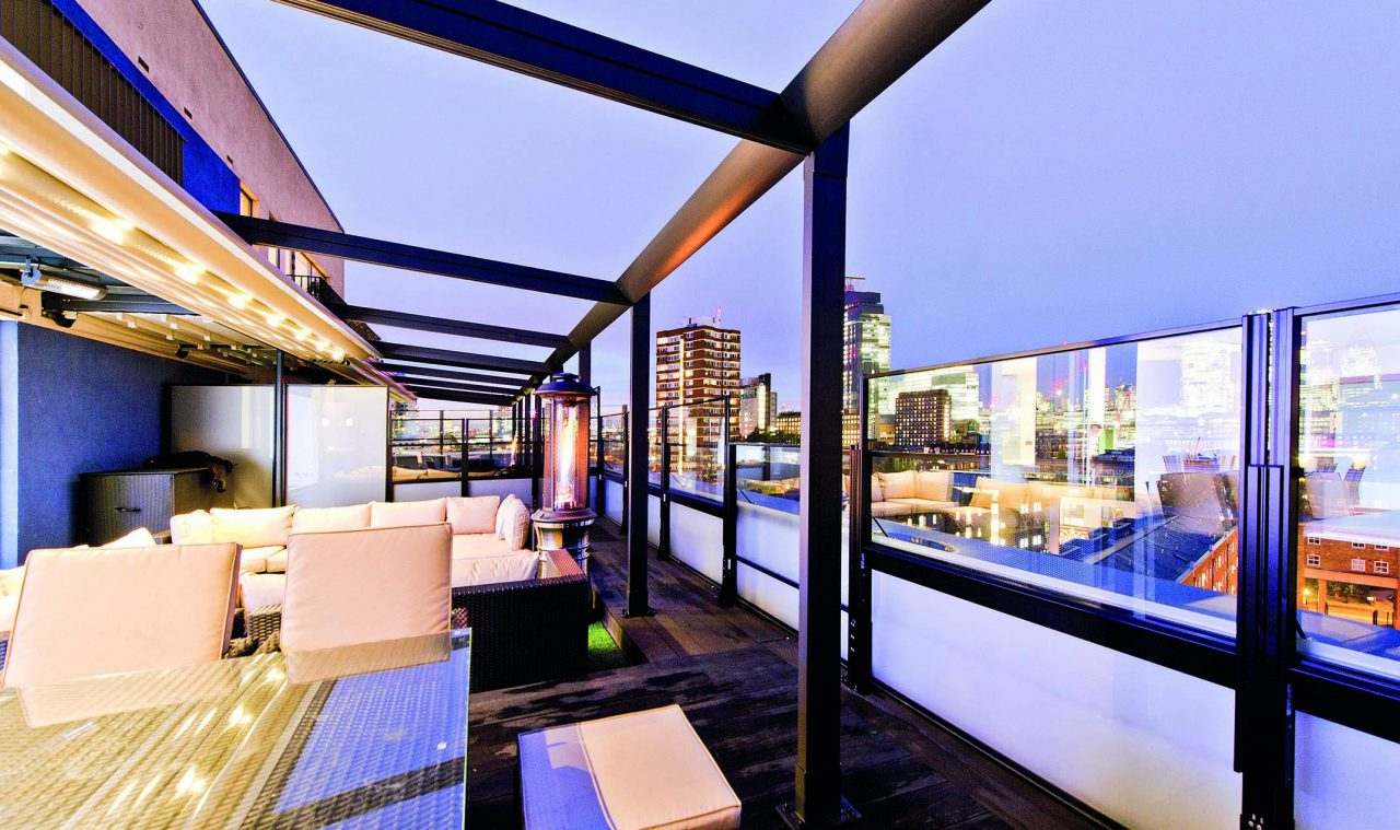 Motorised-Waterproof-Retractable-Louvre-Roof-System-Terrace-Pergola-LED-Lighting-Rooftop-Bar-Brisbane