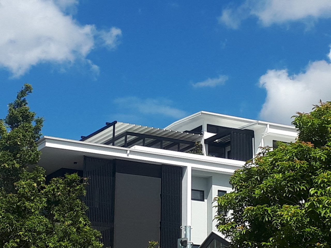 brisbane retractable motorised canopy